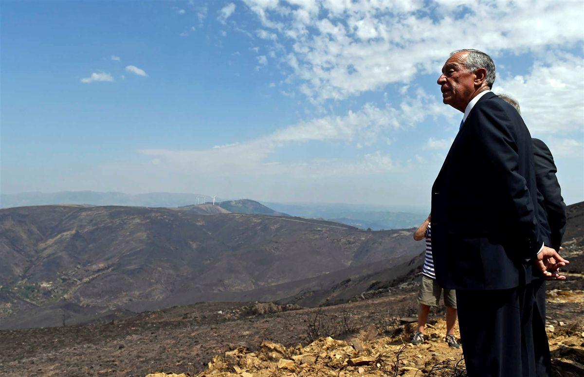 Marcelo visita área ardida. Foto: Nuno André Ferreira/Lusa.