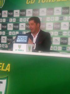 Rui Vitória em conferência de imprensa