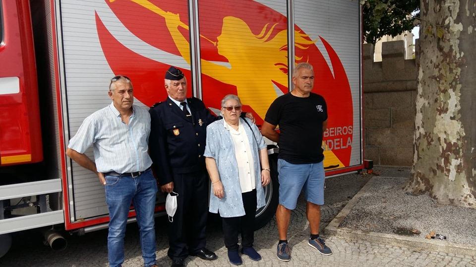Esta imagem tem um texto alternativo em branco, o nome da imagem é bombeiros-homenagem.jpg